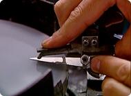Brúsenie nožníc - profesionálna kadernícka technológia eadd9d06fd8